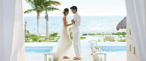 Excellence Resorts- Wedding couple